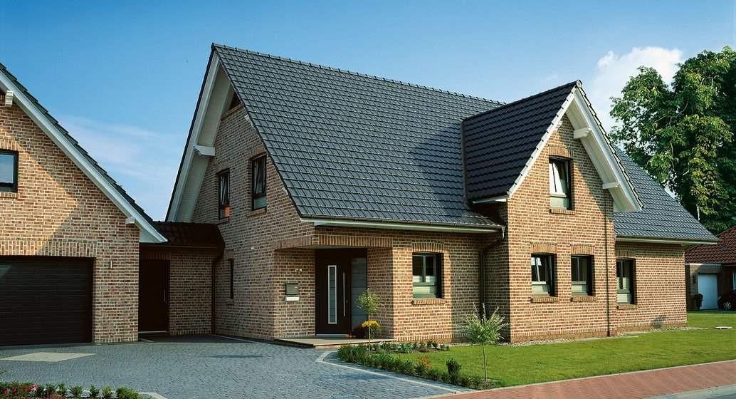 Кирпич, клинкер или камень: какая облицовка для фасада лучше?